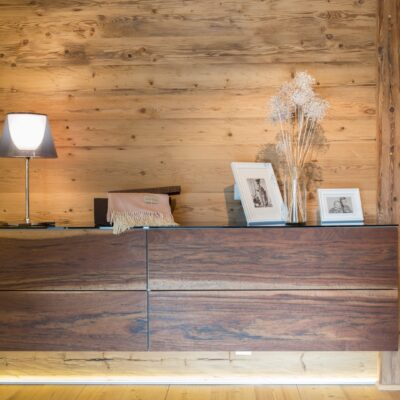 Abverkauf Holzmöbel