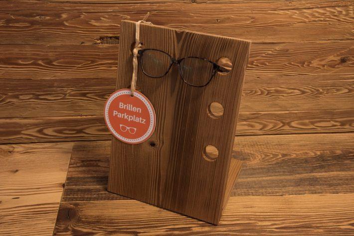 wieland-schreinerei-gadgets-brillenhalter-fichte-thermobehandelt