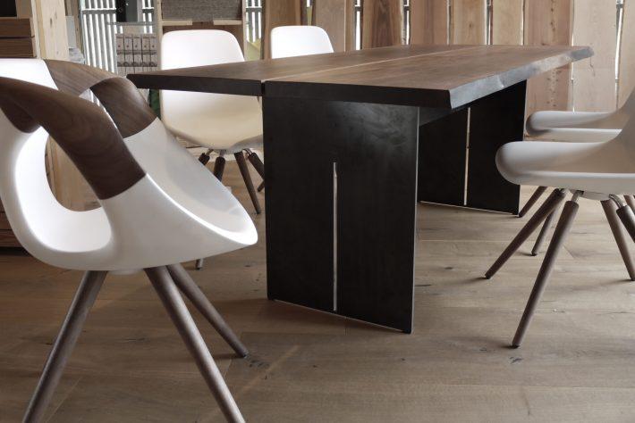 Tisch & Stühle