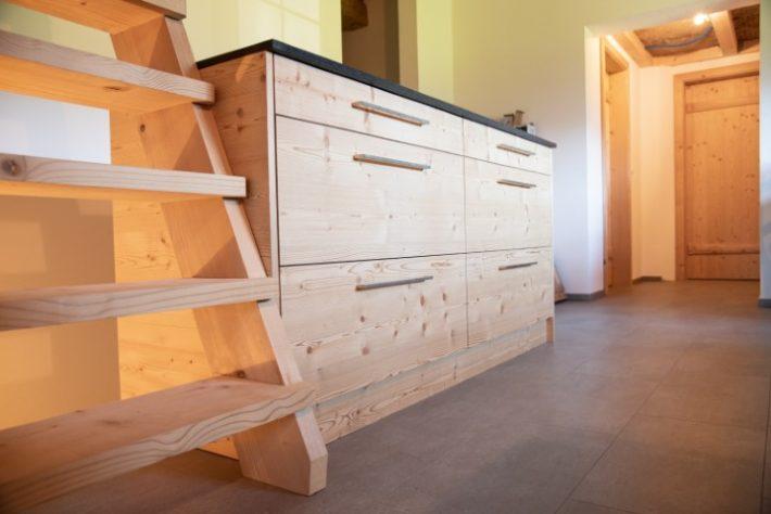 wieland-schreinerei-umbau-sideboard-küche-maiensäss-2